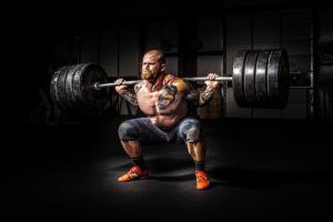 weight train man